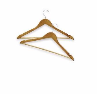 Вешалка для одежды в кривых