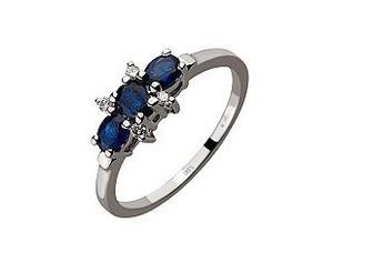 Золотое кольцо с бриллиантами и корундами