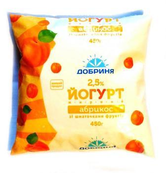 Йогурт Добриня персик 2,5% п/е, 450 г